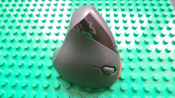 E40 2.4GHz Wireless Rechargeable Vertical Mouse