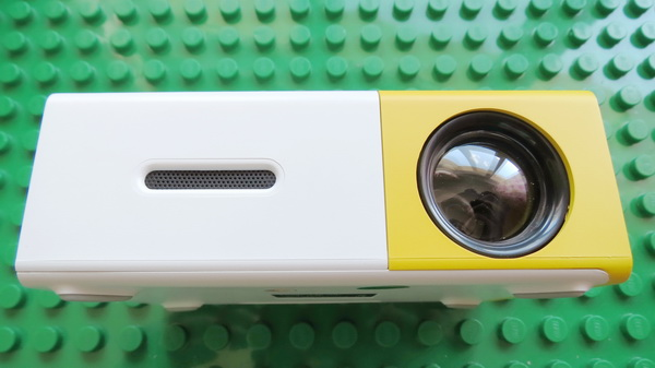 YG-300 Portable LED Mini Projector