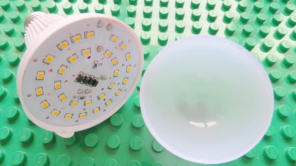 zweihnder-800lm-e27-9w-led-globe-bulb-13