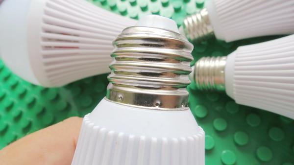 zweihnder-800lm-e27-9w-led-globe-bulb-19