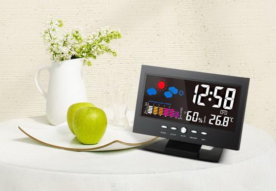 LCD Digital Temperature Clock